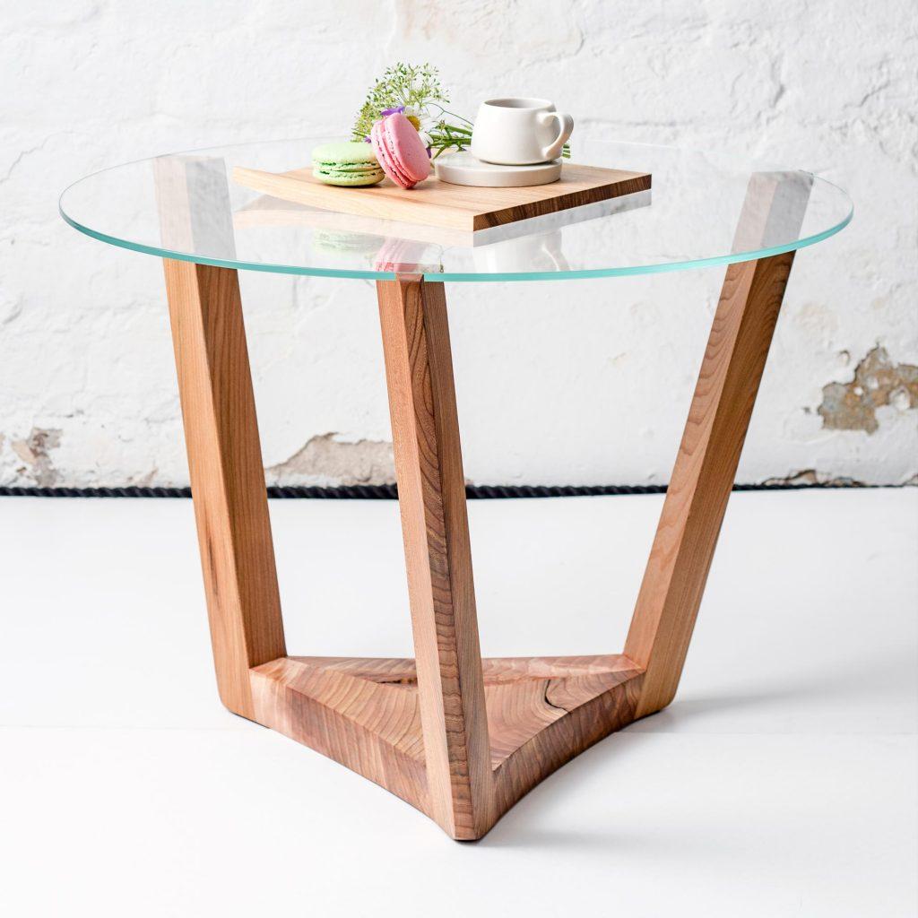 Upsidedown design lasipöytä